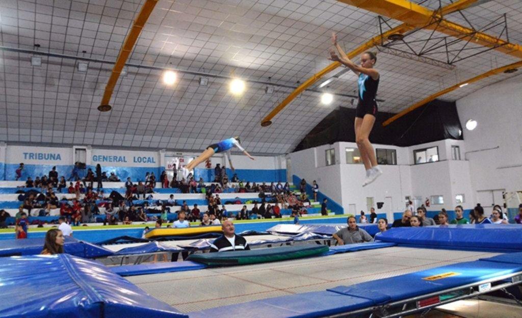 Finaliza el nacional de gimnasia de trampol n for Gimnasia informacion