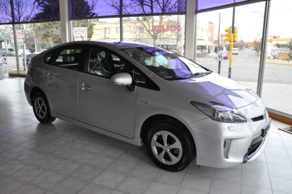 Ya Se Encuentra En Trelew El Primer Auto Hibrido De Toyota