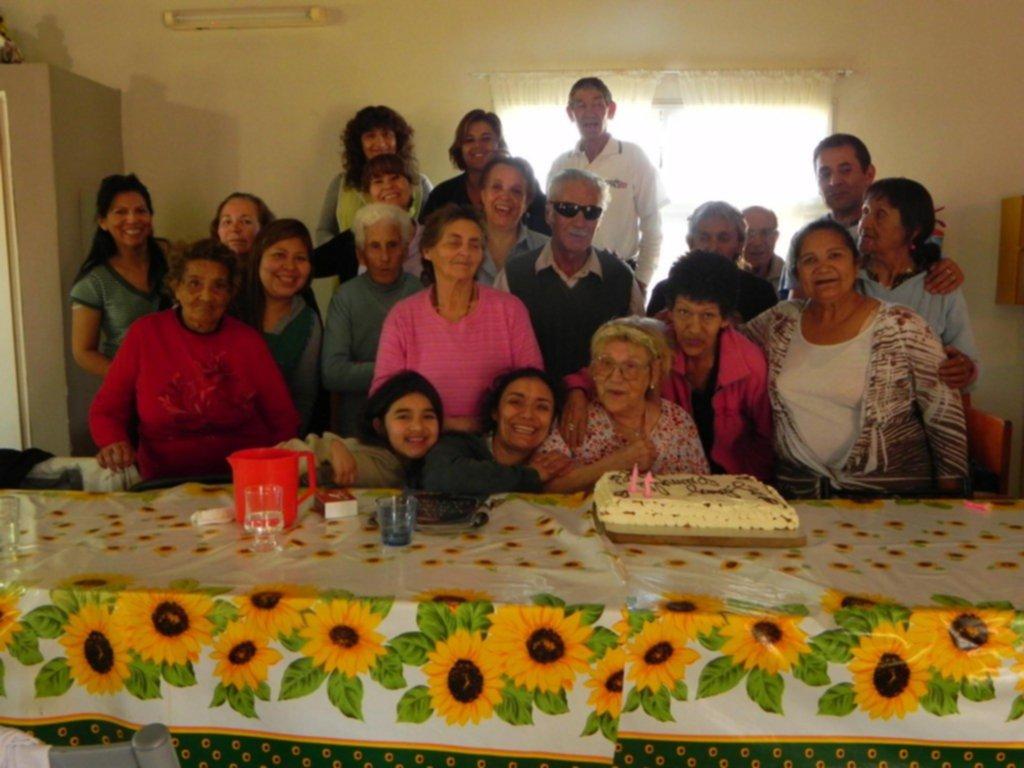 Cumpleaños en el Hogar de Día Nuestros Abuelos