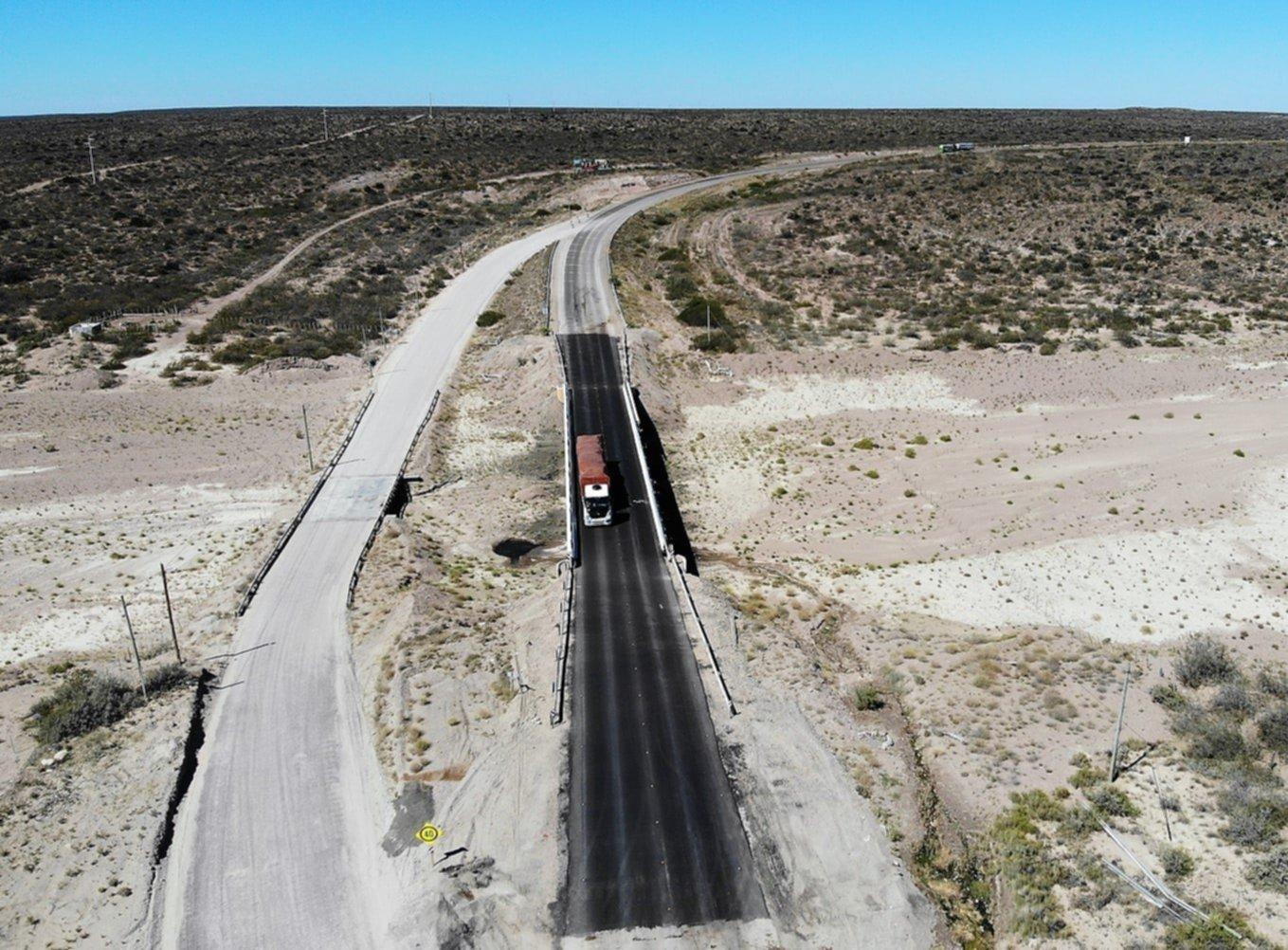Mendoza: se partió al medio un puente sobre la Ruta 40