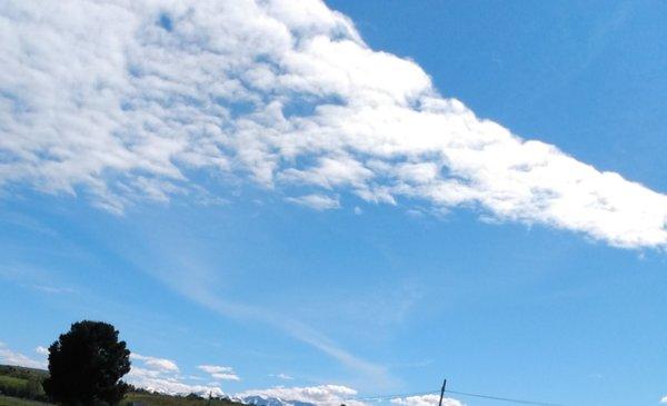 Cientos de peregrinos caminaron hasta el santuario de la Virgen de las Nieves - Diario EL CHUBUT