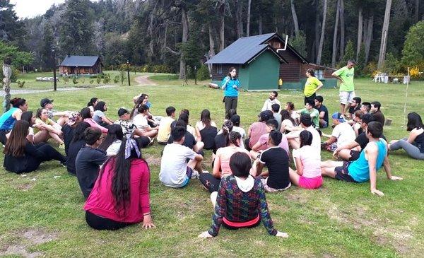 Lago Futalaufquen: Estudiantes secundarios participan de un campamento científico - Diario EL CHUBUT