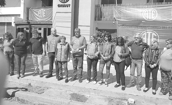 Quiroga anunció que ATE mañana va al paro por descuentos a trabajadores estatales - Diario EL CHUBUT