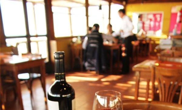 El Ministerio de Turismo entrega distinciones a prestadores de Puerto Madryn, Trelew y Gaiman - Diario EL CHUBUT